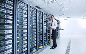 Branża IT czeka na zamówienia i liczy długi
