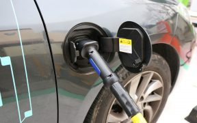samochody elektrycnze - fakty i mity